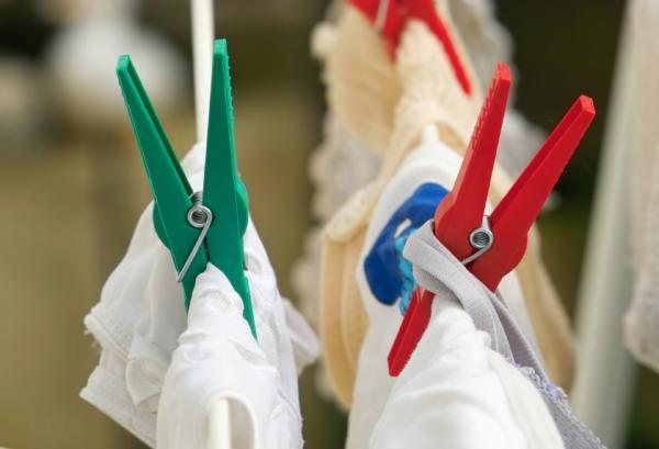 Cómo quitar las manchas de óxido en la ropa